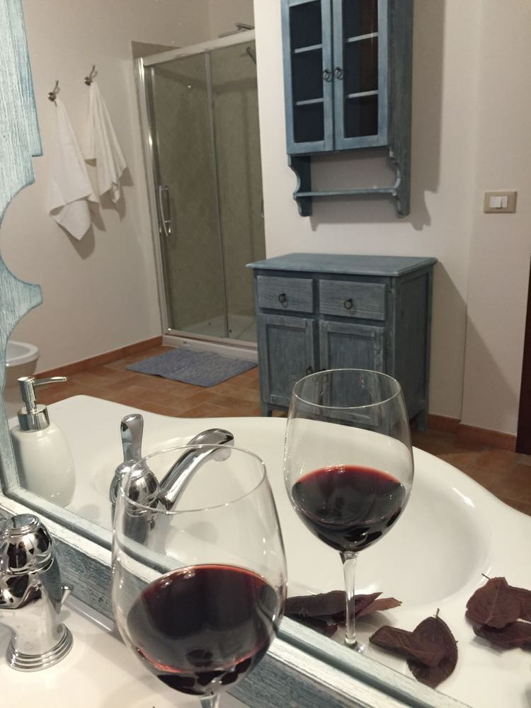 http://www.vinointorno.it/immagini_immobili/19-05-2017/1495213341-327-.jpg