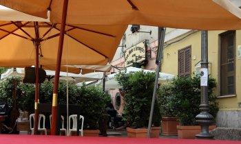 https://www.vinointorno.it/immagini_pagine/23-05-2017/1495561134-235-.jpg