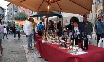 https://www.vinointorno.it/immagini_pagine/23-05-2017/1495561247-208-.jpg