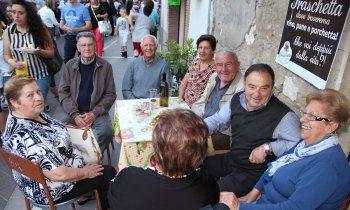 https://www.vinointorno.it/immagini_pagine/23-05-2017/1495563530-223-.jpg