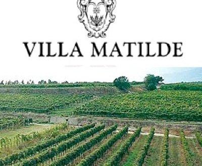 https://www.vinointorno.it/site/resizer/resize.php?url=https://www.vinointorno.it/immagini_immobili/10-06-2019/1560182762-13-.jpg&size=400x330c