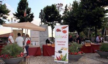 https://www.vinointorno.it/immagini_pagine/23-05-2017/1495561284-129-.jpg