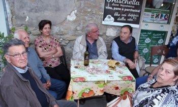 https://www.vinointorno.it/immagini_pagine/23-05-2017/1495563521-259-.jpg